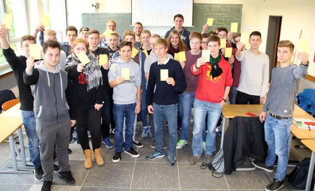 Schiedsrichter-Neulingslehrgang als Schulprojekt am Gymnasium Philippinum. 12. Oktober 2016. Foto: Stefan Weisbrod